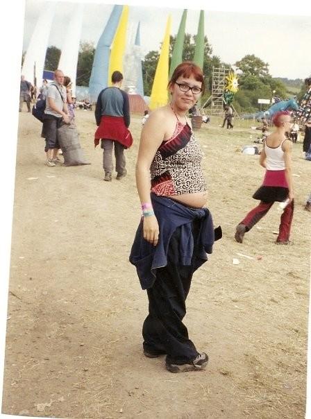 teenage pregnant mum at festival