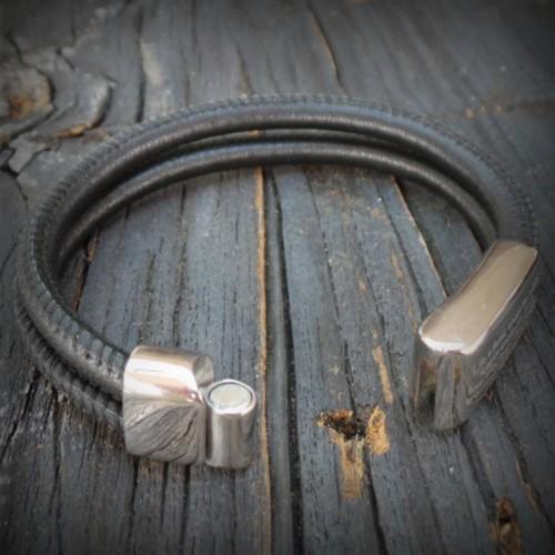 medical alert bracelets ibd pouch ostomy
